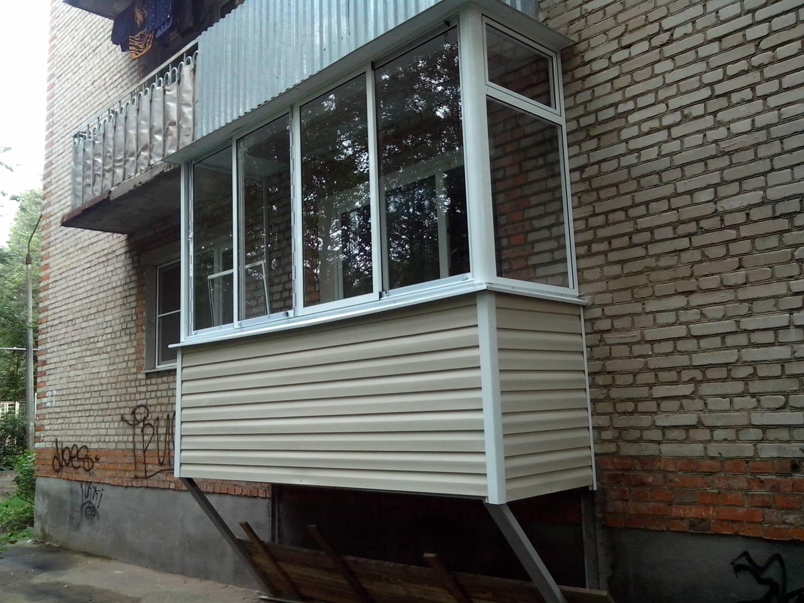 Постройка балкона на первом этаже в перми. цена товара от 20.